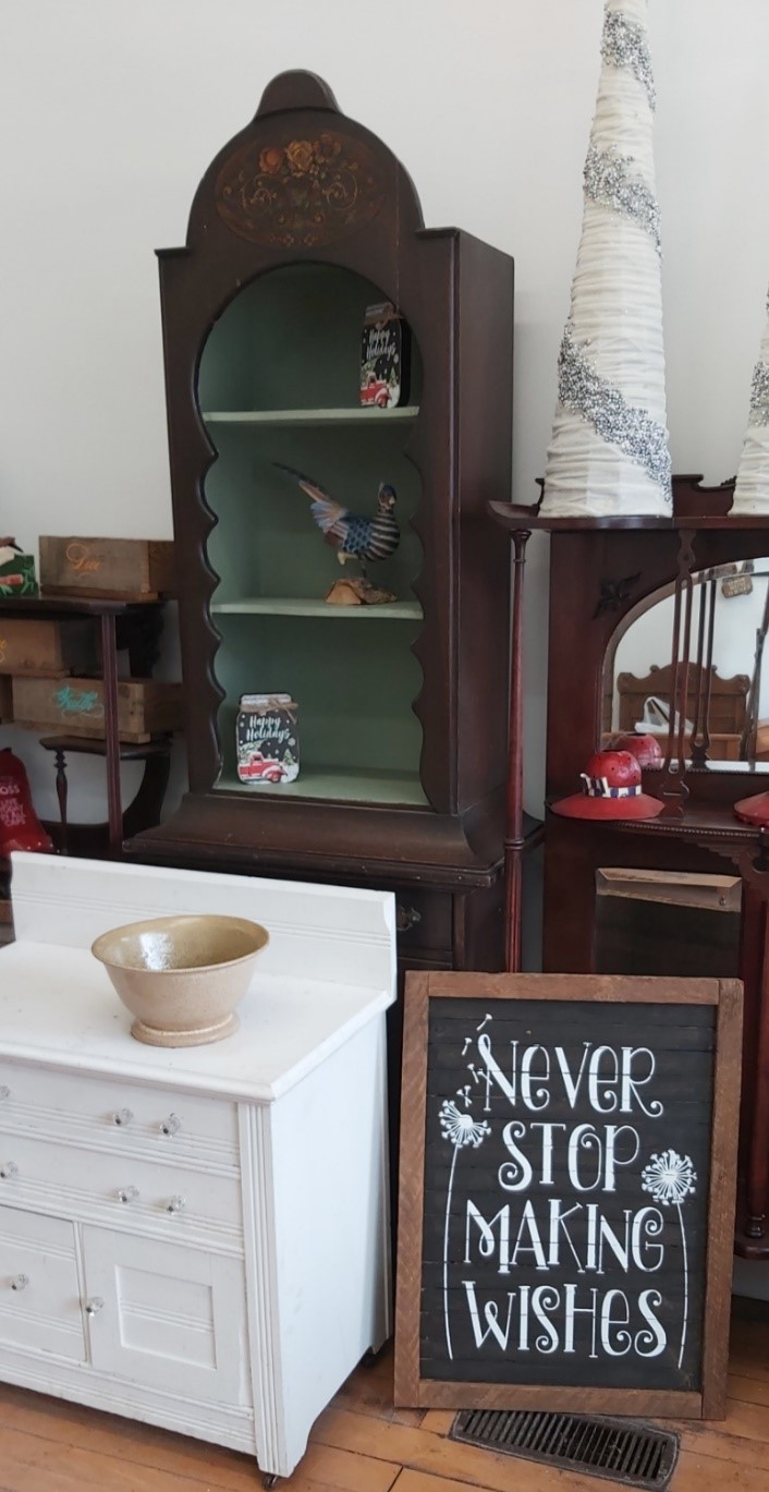 Antiques & Home Decor (Farmhouse Treasures) Image